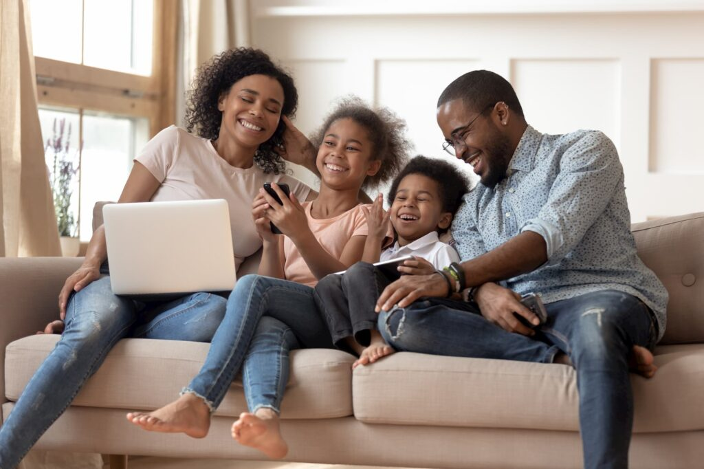 How to Find an Internet Package Suited for the Whole Family
